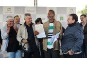 Governo entrega 500 escrituras para moradores de Samambaia